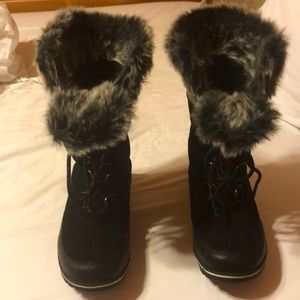 Champion 9 snow boots size 9W